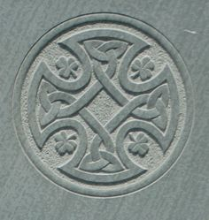 Gravestone symbols and carvings - ideas and inspiration from hand carved headstones Celtic Cross Meaning, Celtic Symbols, Ancient Symbols, Celtic Crosses, Celtic Knots, American Cemetery, Memorial Stones, Celtic Patterns, Life Symbol