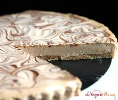 Finally, a #raw #vegan dessert that's easy and #oilfree! Cinnamon Spice Cheesecake Tart from @TheVegan8