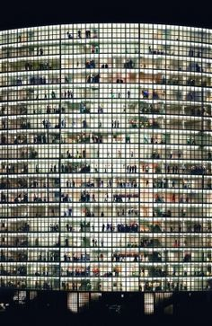 Andreas Gursky is a German visual artist known for his enormous architecture and landscape color photographs, often employing a high point of view. What an amazing photograph. Andreas Gursky, Urban Photography, Fine Art Photography, Street Photography, Landscape Photography, British Journal Of Photography, Window Photography, Building Photography, Pattern Photography