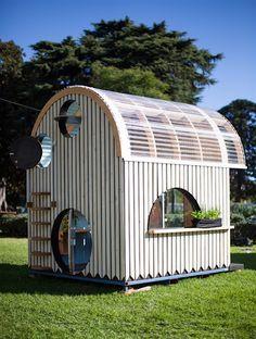 Ein eigenes Spielhaus im Garten ist für viele Kinder ein Traum. Wenn es dann…