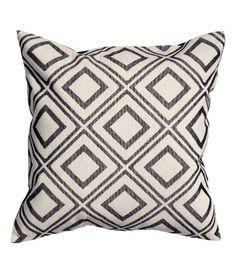 #byNolaZoeHauspiration #HM #pillow #blackwhite