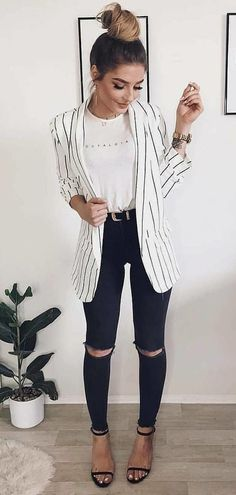 outfit with jeans Long blazer with jeans Langer Blazer mit Jeans Look Blazer, Blazer With Jeans, Skinny Jeans, Black Skinnies, Black Pants, Classy Outfits, Cute Outfits, Stylish Outfits, Casual Summer Outfits With Jeans