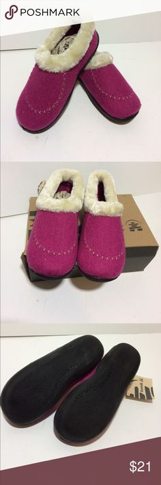 Kamik Cozy Cabin Pink Slippers Loafer Size 3 M Kamik Cozy Cabin Pink Slippers Loafer Size 3 M. Faux fur trim Kamik Shoes Slippers