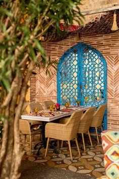 Interior for oriental restaurant Shari Vari Bar Restaurant Design, Deco Restaurant, Rustic Restaurant, Indian Cafe, Oriental Restaurant, Architecture Restaurant, Design Café, Spanish Design, Coffee Shop Design