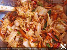 Baechu Kimchi - Chinakohl pikant nach koreanischer Art, ein leckeres Rezept aus der Kategorie Haltbarmachen. Bewertungen: 29. Durchschnitt: Ø 4,5.