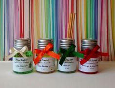 Lembrancinha - Mini Difusor - Pet 30ml - embalagem Pet, laço, 4 mini varetas de madeira. Várias cores e aromas. http://mixsweets.elo7.com.br