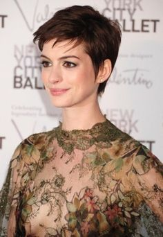 pixie-haircut-for-women-with-thick-hair