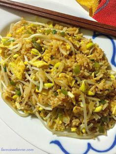 El Egg fu yung es un arroz frito vegetariano típico de la #comidachina Toddler Meals, Chinese Food, Family Meals, Vegetarian Recipes, Eggs, Cooking, Ethnic Recipes, Cuban, Meal Ideas