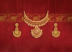 Tanishq's Diwali offering, Shubham, is a range of stunning gold jewellery with intricate designs inspired by Indian temples. Explore the collection Gold Jewelry For Sale, Real Gold Jewelry, Indian Jewelry, Jewelry Shop, Jewelry Stand, Jewelry Stores, Gold Earrings Designs, Gold Jewellery Design, Silver Jewellery