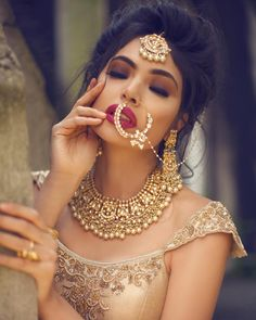 One of my favourite looks created by for our Garden of Eden campaign. Love our beautiful kundan bridal set here . Indian Bridal Makeup, Indian Bridal Fashion, Pakistani Jewelry, Pakistani Bridal, Indian Jewelry, Bridal Looks, Bridal Style, Vogue, Boho Diy