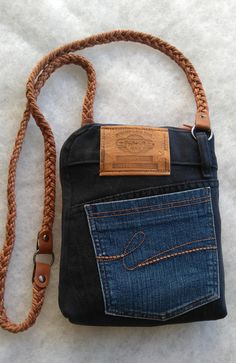 Denim purse with braided strap two color denim zipper. 2019 Denim purse with braided strap two color denim zipper. The post Denim purse with braided strap two color denim zipper. 2019 appeared first on Lace Diy. Jean Purses, Purses And Bags, Denim Purse, Denim Crafts, Recycled Denim, Fabric Bags, Crochet Purses, Creations, Patron De Couture