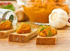 Кабачки уже вполне доступны на рынке, а потому самое время готовить кабачковую икру на зиму, чтобы в течение года радовать себя любимых...
