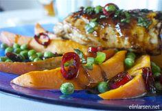 Ovnsstekte kyllinglår med søtpotetbåter og asiatisk chilli og ingefærsaus | Elin LarsenElin Larsen