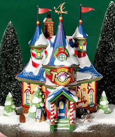 D 56 Department 56 North Pole Series Alfie's Toy School for Elves Vintage Christmas Crafts, Tacky Christmas, Christmas Town, Xmas Crafts, Christmas Village Display, Christmas Village Houses, Christmas Villages, Gingerbread House Designs, Gingerbread Houses