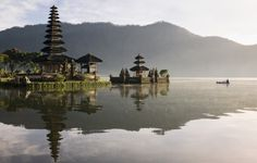 Great dates and temple ceremonies, Indonesia