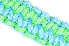 """How to Make the """"Dualing Arrows"""" Paracord Survival Bracelet - BoredParacord"""