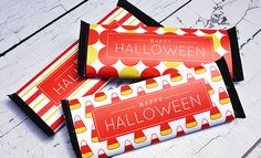 Halloween candy bar wrappers byHeather Dalton ofChickabugfor I Heart Naptime. Halloween is ALL about the candy. Why not go all out and give out big ol' Hershey bars, with speciallabels, no less!I designed thesefree printable Hershey bar labels for you, so you can havethe coolest trick-or-treat house on the block (or be the most awesome …