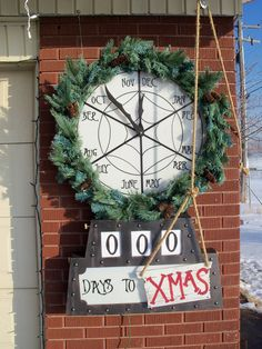 2014 nightmare before christmas clock for 2014 Halloween - countdown clock, spider web Christmas Town, Halloween Christmas, Christmas Countdown, Christmas Birthday, Christmas Themes, Christmas Holidays, Christmas Wreaths, Christmas Crafts, Holiday Decor