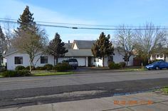 422 Madison St SE, Albany, OR 97321 Well maintained Duplex with garages on Madison St in SE Albany. Rents to be $650 effective March 1st. Great investment property. Contact Us for More Information.  dherbsts@kw.com