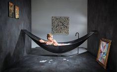 boah......unglaublich, schwebende Badewanne