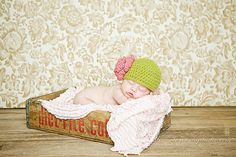 Newborn size apple green cloche with dusty by maddieloubeanies, $22.00