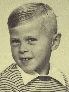 We all have been small. So even Bjorn Ulvaeus In the picture. He is 5 years old, and ABBA was still very far. Two Year Olds, Greatest Hits, Famous Faces, Old Pictures, Pop Group, The Beatles, My Music, Children, 5 Years