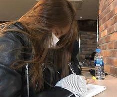 Read STUDY 📒 from the story Korean Ulzzang by fiandaintan with reads. Mode Ulzzang, Ulzzang Korean Girl, Cute Korean Girl, Asian Girl, Korean Aesthetic, Aesthetic Girl, Estilo Beatnik, Studying Girl, Girl Korea