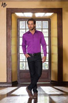 Look Angelo Bertoni  Para homens que buscam elegância e sofisticação. http://www.bredaalfaiataria.com.br  Camisa Social Tricoline Double Face Acetinado / Calça Jeans Clássica / alfaiataria