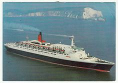 Postcards - England # 540 - Queen Elizabeth II Cunard Cruise Ship