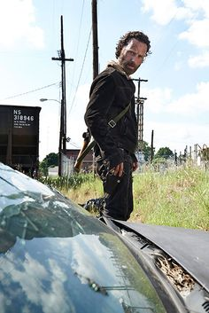 Andrew Lincoln aka Rick Grimes - looking good - The Walking Dead Season 5 Cast Photos