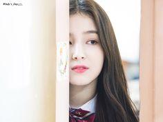 180209 - Hanlim High School graduation ceremony  180214 [DISPATCH] official updates Nancy Jewel Mcdonie, Nancy Momoland, Girls Dp, Kpop Girls, Best Beach In Florida, Animated Icons, Only Girl, Girl Face, Girl Pictures