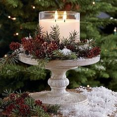 christmas centerpieces If the climate allows, consider an idea of rocking woodland winter wedding thats a dream! A forest covered with beautiful sparkling snow. Elegant Christmas Centerpieces, Christmas Table Decorations, Christmas Candles, Noel Christmas, Country Christmas, Christmas Projects, Winter Christmas, Christmas Buffet Table, Classic Christmas Decorations