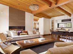 Il legno aggiunge calore ad una casa minimal