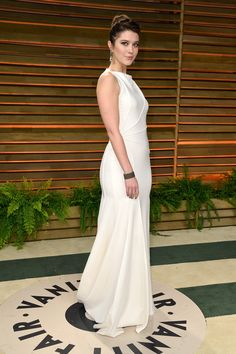 Mary Elizabeth Winstead Photos Photos - Actress Mary Elizabeth Winstead attends the 2014 Vanity Fair Oscar Party hosted by Graydon Carter on March 2, 2014 in West Hollywood, California. - Stars at the Vanity Fair Oscar Party