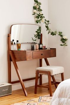 Kamala vanity urban outfitters the perfect room wohnzimmerdekoration wohnzimmerdekor wohnzimmerdekoideen wohnzimmerdekograu smart and gorgeous ikea hacks great tutorials Decoration Bedroom, Diy Home Decor, Urban Home Decor, Home Decoration, Target Home Decor, Retro Home Decor, Entryway Decor, Decor Crafts, Diy Crafts