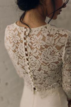 Wedding dress : back with French lace  Dress Violette Tannenbaum  Model Elisa Meliani  MUAH Rika Bitton - Make up artist