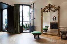 Le salon de coiffure et coiffeur David Lucas Paris, le chic en appartement pour coupe, balayage, coloration et soins capillaires profonds.