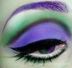 Bows and Curtseys...Mad About Makeup: Monster High Collaboration *SPECTRA VONDERGEIST*