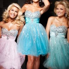 Each girl deserves a different colour prom dress like this