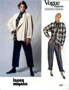 V2956 Vogue Sewing Pattern Designer OSCAR DE LA RENTA Misses/' JACKET /& PANT