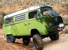CIick Like to get your off road fix. Uninhibitedoffroad is the best place to watch tons of off road videos. Vw T2 Camper, Vw Bus T2, Kombi Motorhome, Volkswagen Type 2, Off Road Camper, Vw T1, Campers, Combi T1, Vw Syncro