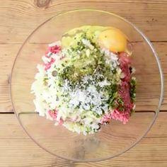 Lihamureke, joka on täysin omaa luokkaansa – näin helposti valmistat sen kotona Cobb Salad, Food And Drink, Tasty, Breakfast, Cook, Recipes, Morning Coffee, Recipies, Ripped Recipes