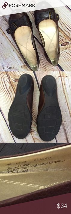 NATURALIZER HIXSON BUCKLE FLATS/SHOES NATURALIZER is known for comfort and these are not only comfortable but super stylish. Pebble grained leather upper in brown with a darker brown buckle strap. Like new condition and rubber sole Naturalizer Shoes Flats & Loafers