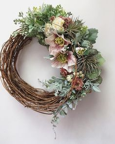Dried Flowers, Watercolor Flowers, Grapevine Wreath, Grape Vines, Christmas Wreaths, Diy And Crafts, Bouquet, Bloom, Birds