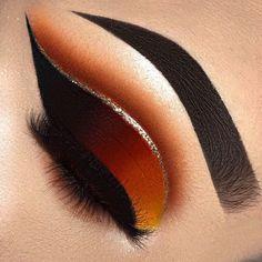 49 Fabulous Eyeliner Makeup Ideas For Women - Trendfashionist Makeup Eye Looks, Eye Makeup Art, Beautiful Eye Makeup, Cute Makeup, Pretty Makeup, Skin Makeup, Eyeshadow Makeup, Orange Eyeshadow, Glitter Eyeshadow