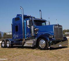 Isaiah Payne (@truckingroyalty_) • Instagram photos and videos Show Trucks, Big Rig Trucks, Custom Big Rigs, Custom Trucks, Heavy Construction Equipment, Heavy Equipment, Train Truck, Road Train, Diesel Cars