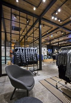 Vero Moda Flagship Store at Konigstrasse by Riis Retail | More on: http://www.pinterest.com/AnkApin/stores/