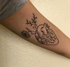 Ideas For Piercing Body Heart Mini Tattoos, Trendy Tattoos, Flower Tattoos, Body Art Tattoos, Small Tattoos, Tattoos For Women, Tatoos, Heart Flower Tattoo, Human Heart Tattoo