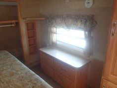 2007 Used Crossroads Cruiser 30QB Fifth Wheel in Ohio OH.Recreational Vehicle, rv, 2007 Crossroads Cruiser 30QB, WE TAKE TRADE INS!!!! (937) 458-0500. 2007 Crossroads Cruiser 30QB Fifth Wheel Camper. This is one great camper with room to sleep 10 and plenty of space to move around and store everything you would need for your trip. With the Large Living area slide it gives you the room you need to be inside and not be sitting on top of each other. And the Master Bedroom Slides out to make…