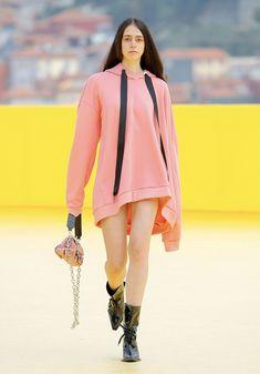 Core Collection, Fashion Show Collection, Spring Collection, Fashion Hub, Womens Fashion, Fashion Trends, Vogue Paris, Denim Tunic, Bubble Skirt